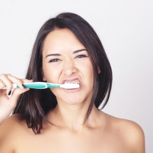 Brushing teeth properly could prevent liver disease deaths, scientists say.
